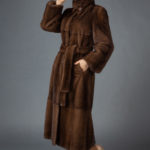Шуба из канадской норки цвета орех со стойкой №19165